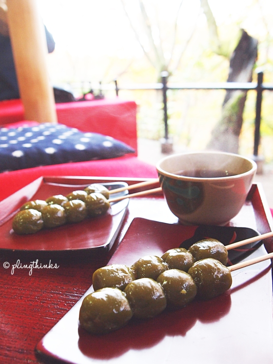 Matcha dangos and tea - Kiyomizu Kyoto Snack