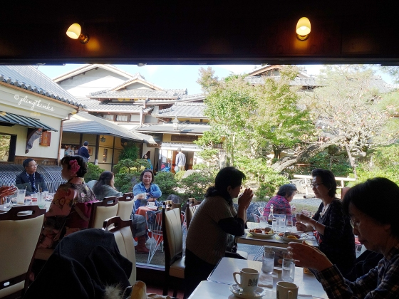 Al fresco outside Inoda Coffee Higashiyama - Kyoto Cafe